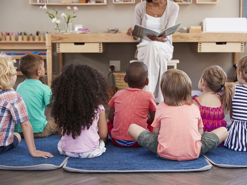 negocios más rentables - cuidado de niños